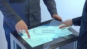 Multitouch-Fingerabdruckscanner: Display-Oberflächen erkennen, wer sie berührt