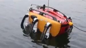 Crabster CR200: Laufen wirbelt weniger Schlamm auf.