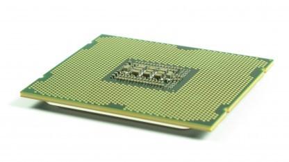 Die Xeon E5-2600 v2 passen in den Sockel 2011.