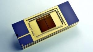 3D-V-NAND als Testchip im DIP-Gehäuse