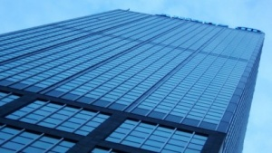 Neue Fensterbeschichtungen sollen dynamisch Hitze aussperren und  Sonnenlicht passieren lassen.