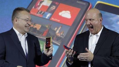 Stephen Elop (l.) und Steve Ballmer