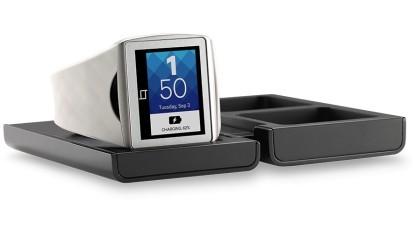 Smartwatch Toq mit Mirasol-Display