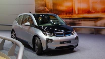 BMW i3 (auf der IAA 2013): neue Ausführung ab Sommer 2016 verfügbar