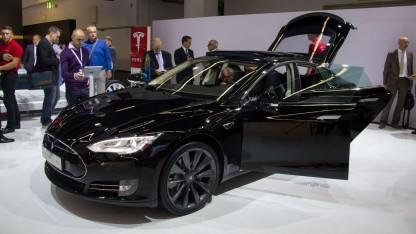 Tesla Model S: Sprung zum komplett autonomen Auto ist zu groß.