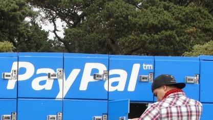 Paypal-Schließfächer bei einem Musikfestival