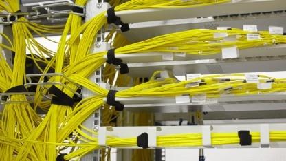 Glasfasern am DE-CIX verbinden Provider miteinander.