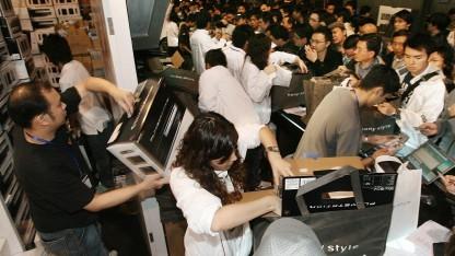 Ansturm bei einer Playstation-3-Verkaufsaktion 2006 in Hongkong.