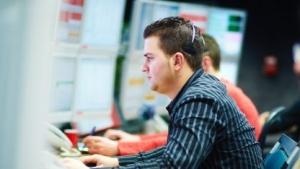 Mitarbeiter in der Unternehmenszentrale von Swift im belgischen La Hulpe
