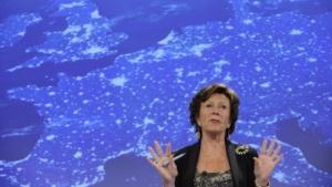EU-Kommissarin Kroes präsentiert ihre Pläne zum Telekommunikationsmarkt.