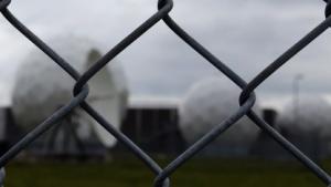 Was hinter diesem Zaun in Bad Aibling passiert, darf nicht einmal der Bundestag wissen.