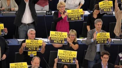Noch ist nicht abzusehen, ob sich der Widerstand wie gegen Acta im Falle von TTIP wiederholen wird.