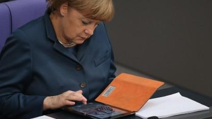 Kanzlerin Angela Merkel muss in Brüssel mitentscheiden, wie schnell es einen europäischen Datenschutz geben soll.
