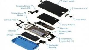 Apple iPhone 5C in Einzelteilen