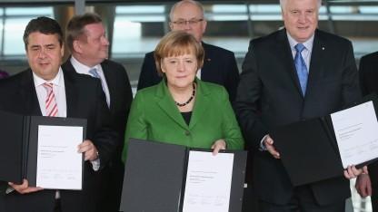 Die Spitzen von CDU, CSU und SPD präsentieren den Koalitionsvertrag.