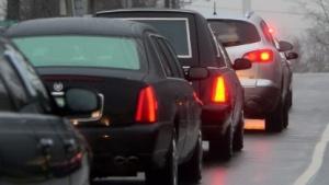 S-Drive: Registriert werden überhöhte Geschwindigkeit, hastiges Bremsen und Beschleunigen, Fahrweise, Nachtfahrten und Stadtfahrten.