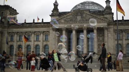 Besucher müssen draußen bleiben: Das geplante WLAN des Bundestages wird nicht offen zugänglich.