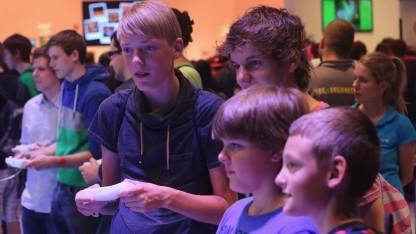 Junge Besucher der Gamescom 2013
