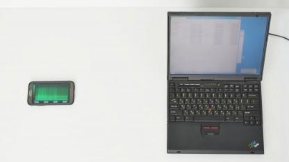 Smartphone belauscht Notebook