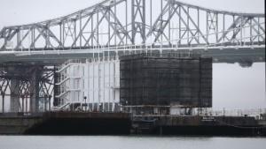 Google Barge vor San Francisco: Das Schwesterschiff wird jetzt verschrottet.