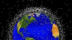 Weltraumschrott umgibt die Erde.