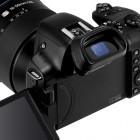 Samsung: NX30 mit Doppelschwenksucher