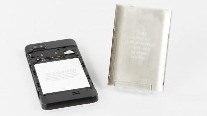 Das Fairphone wurde vorwiegend aus fair gehandelten Rohstoffen hergestellt.