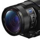 Sony FDR-AX100E: 4K-Camcorder schrumpfen auf vernünftige Maße
