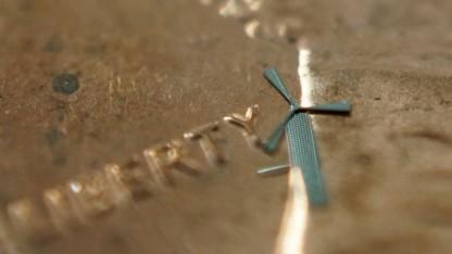 Mikrowindrad auf einer 1-US-Cent-Münze (19,05 mm Durchmesser)