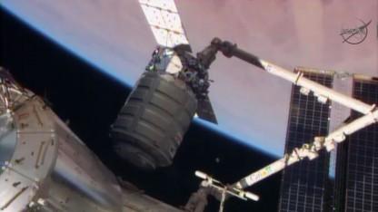 Cygnus beim Andocken an die ISS (am 12.1.2014): 1,2 Tonnen Versorgungsgüter