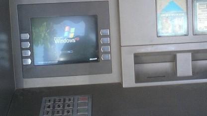 Neustart eines Geldautomaten im Jahr 2006.