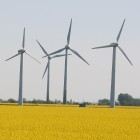 Erneuerbare Energien: Netzspeicher soll Stromschwankungen ausgleichen