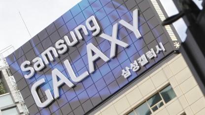 Samsung zeigt das Galaxy S5 auf dem MWC 2014.