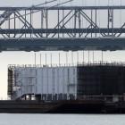 Google Barge: Google muss schwimmende Baustelle verlegen
