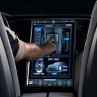 Touchscreen statt Tasten: Tesla S soll Fahrer massiv ablenken