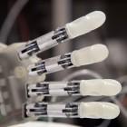 Lifehand 2: Roboterhand mit Gefühl getestet