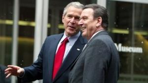 Falsche Freunde: Bundeskanzler Schröder und US-Präsident Bush im Februar 2005