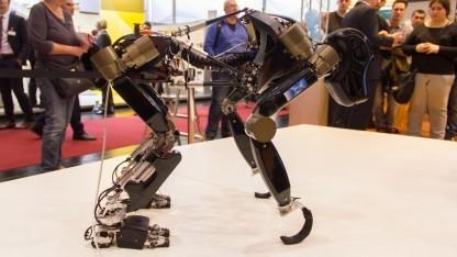 Roboter Charlie: bessere Balance und längere Schritte