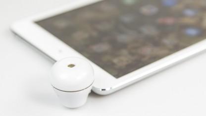 Der Duftspender Scentee an einem iPad Mini