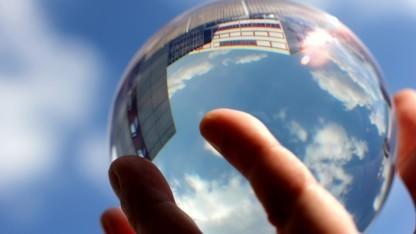Auch deutsche Behörden interessieren sich für den Blick in die Glaskugel.