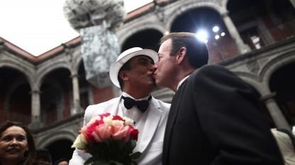 Homosexuelles Paar heiratet in Mexiko