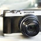 Olympus Stylus SH-1: Bildstabilisierung auf fünf Achsen und Retrolook