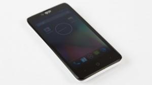 Das Geeksphone Revolution kann wahlweise mit Android oder Firefox OS betrieben werden.