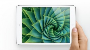 Das iPad Mini hat mit iOS 7.1 im Test eine Stunde weniger Akkulaufzeit.