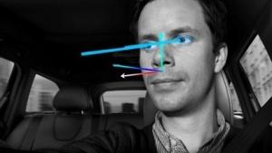Auto erkennt Fahrer und dessen Kopfhaltung sowie Blickrichtung.