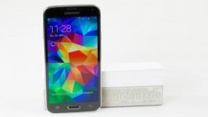 Das Samsung-Smartphone Galaxy S5 (Bild: Fabian Hamacher/Golem.de), Samsung Galaxy S5