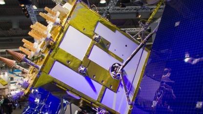 Russischer Satellit Glonass-K (auf der Cebit 2011): erfolgreicher Satellitenstart Ende März