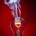 Wikimedia Commons: Wie eine durchbrennende Glühlampe zum Kunstobjekt wird