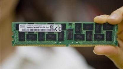 Viele 8-GBit-Chips ergeben 128 GByte.
