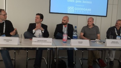 Harald Riegler, Maximilian Schenk, Moderator Tino Hahn, Hendrik Lesser, David Reitman (v. l. n. r.)
